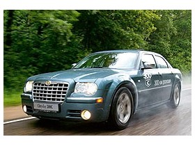 Chrysler 300: Вам, супергерои